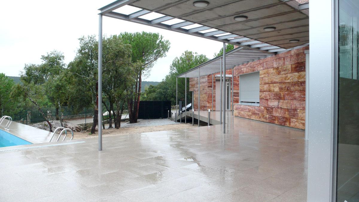 Vivienda-en-la-berzosa-entrada-piscina