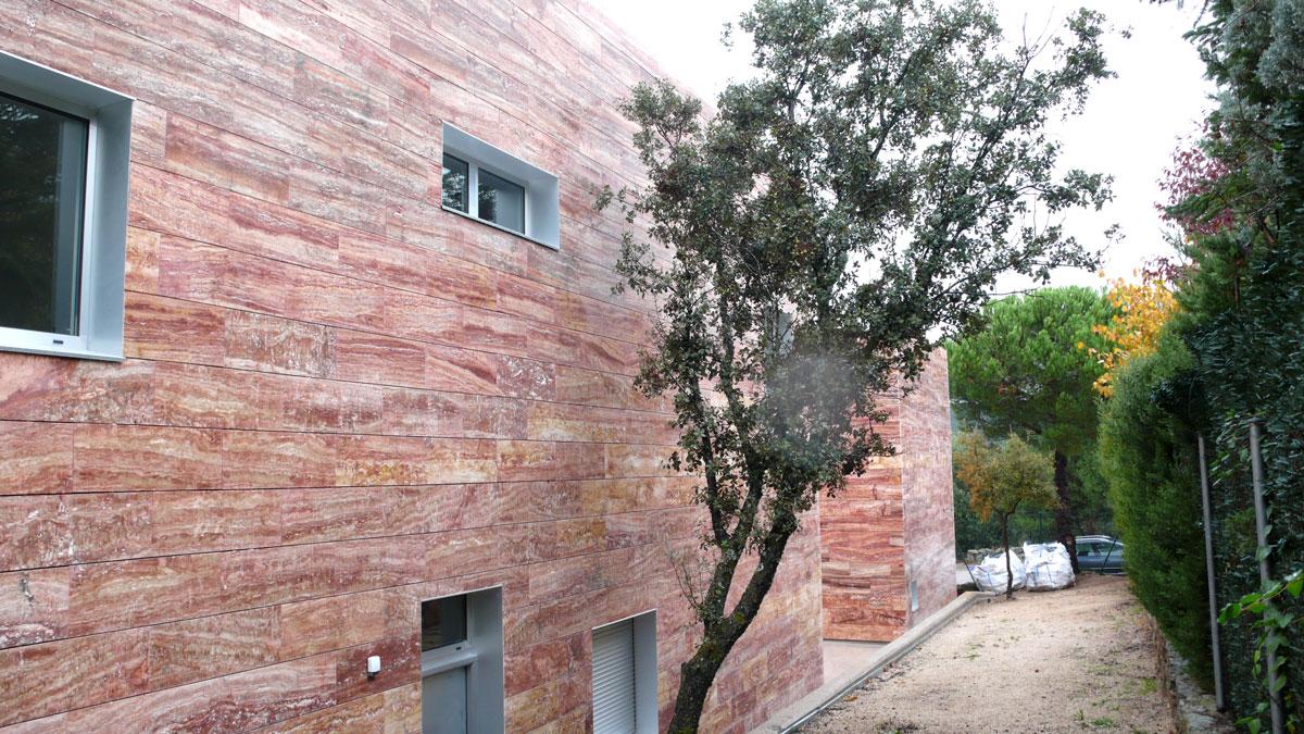 Vivienda-en-la-berzosa-exterior-detras-jardin-2