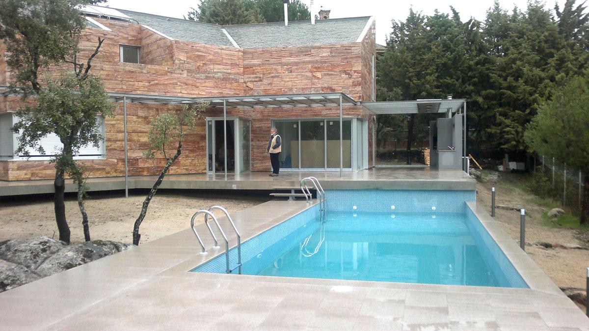 Vivienda-en-la-berzosa-exterior-piscina