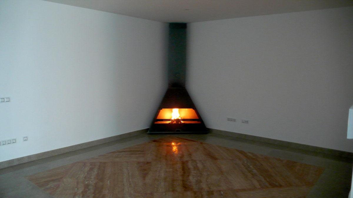 Vivienda-en-la-berzosa-interior-chimenea