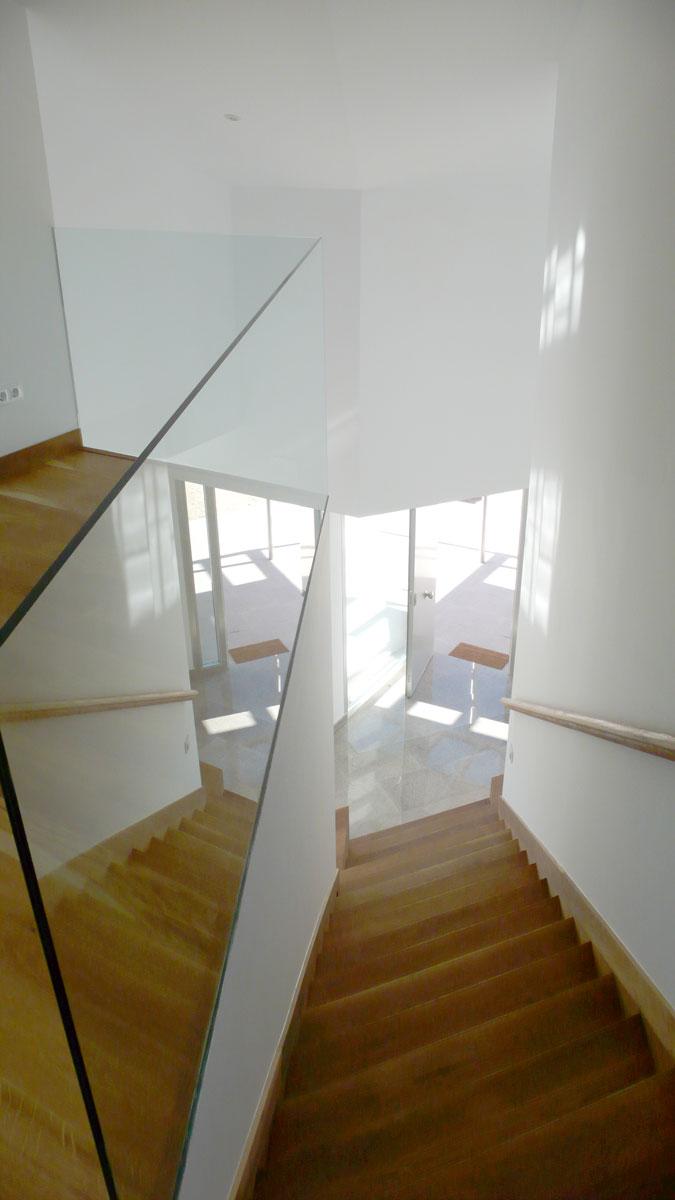 Vivienda-en-la-berzosa-interior-escalera