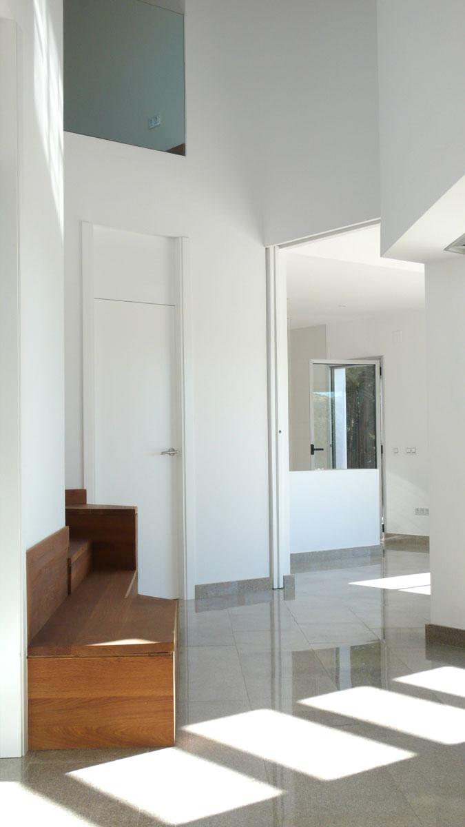 Vivienda-en-la-berzosa-interior-hall