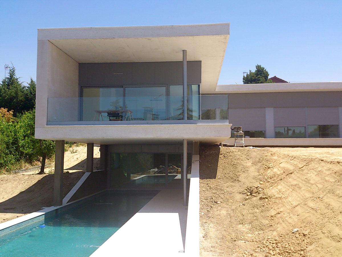 Vivienda-unifamiliar-en-Boadilla-del-Monte-exterior-piscina-tres