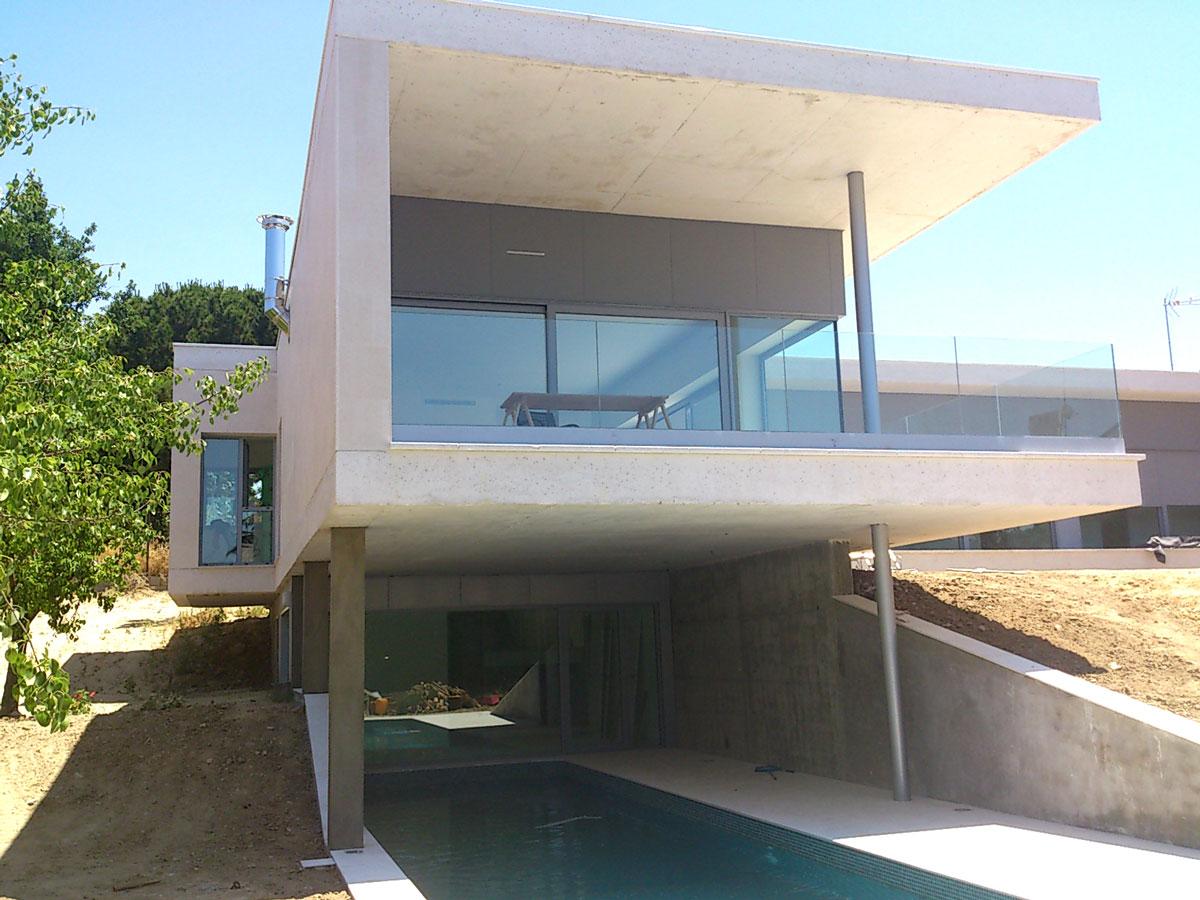 Vivienda-unifamiliar-en-Boadilla-del-Monte-exterior-piscina