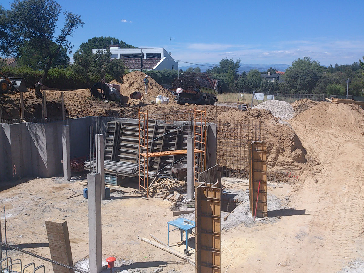 Vivienda-unifamiliar-en-boadilla-del-monte-exterior-cimientos-veinticuatro