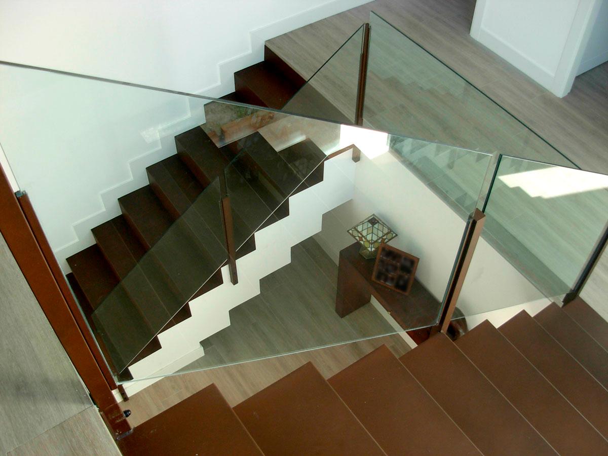 Vivienda-unifamiliar-en-la-rozas-vista-interior-escalera